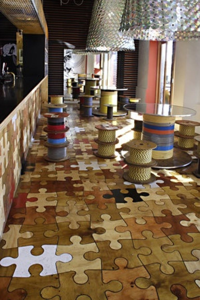 22 unique flooring ideas for any room for Unique linoleum flooring